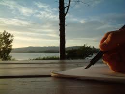 Scrivere è un modo di parlare senza essere interrotti. (Jules Renard)